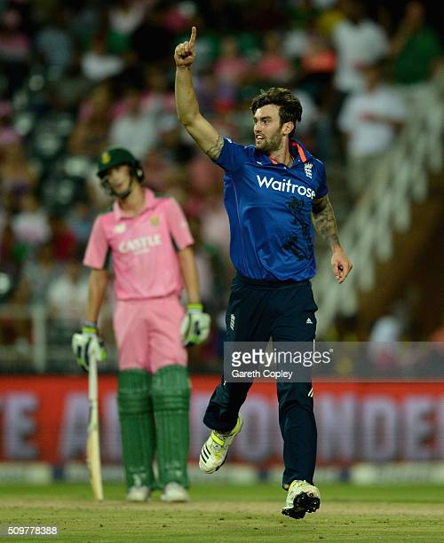 Reece Topley of England celebrates dismissing Kagiso Rabada of South Africa during the 4th Momentum ODI between South Africa and England at Bidvest...