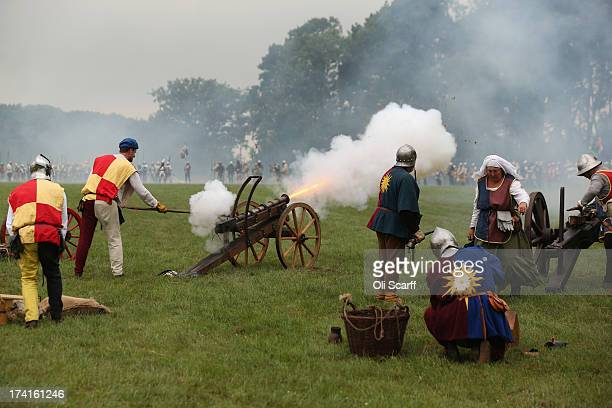 Reenactors take part in the 'Battle of Tewkesbury' at the 'History Live' event at Kelmarsh Hall in Northamptonshire on July 21 2013 in Kelmarsh...