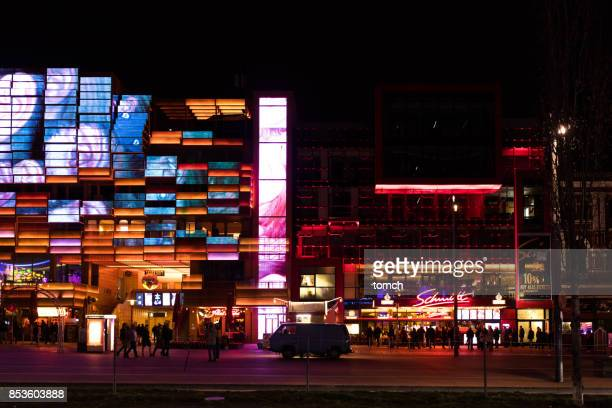 reeperbahn street in hamburg - reeperbahn stock pictures, royalty-free photos & images