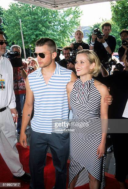Reese Witherspoon and Ryan Phillippe attend the premiere of 'Legally Blonde,' Southampton, New York, July 7, 2001.
