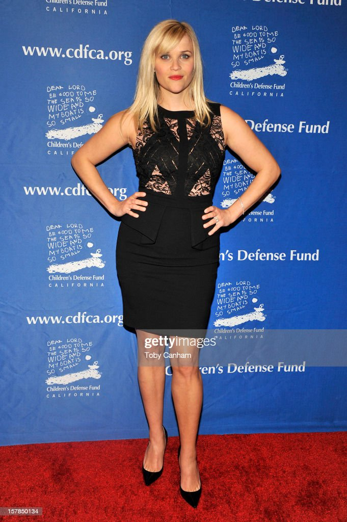 Reese Witherspoon arrives for the Children's Defense Fund-California 22nd Annual 'Beat the Odds' Awards at Beverly Hills Hotel on December 6, 2012 in Beverly Hills, California.