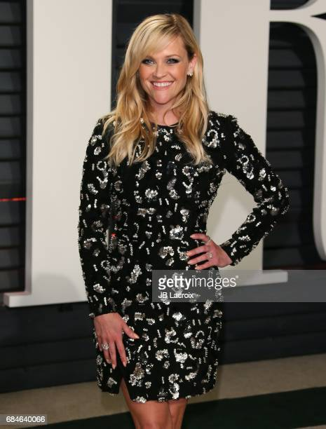 Reese Witherspoon attends the 2017 Vanity Fair Oscar Party hosted by Graydon Carter at Wallis Annenberg Center for the Performing Arts on February...