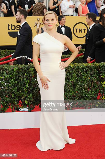 Reese Witherspoon attends the 21st Annual Screen Actors Guild Awards at the Shrine Auditorium on January 25, 2015 in Los Angeles, California.