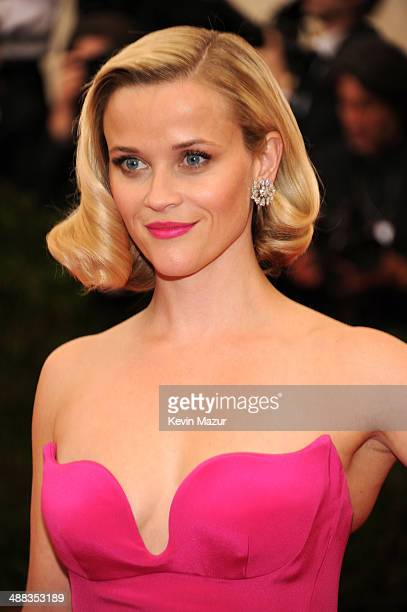 Reese Witherspoon attends the Charles James Beyond Fashion Costume Institute Gala at the Metropolitan Museum of Art on May 5 2014 in New York City