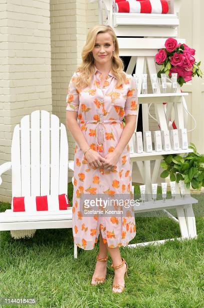 Reese Witherspoon hosts the Elizabeth Arden Garden Party at Private Residence on May 15, 2019 in Beverly Hills, California.
