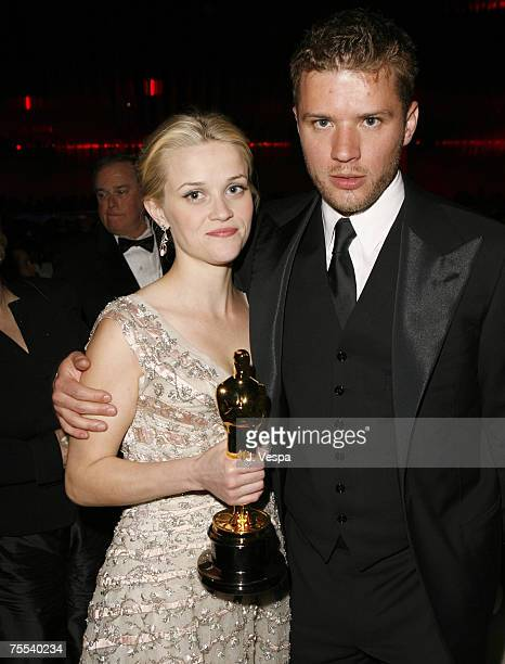 Reese Witherspoon winner Best Actress in a Leading Role for Walk the Line and husband Ryan Phillippe at the Kodak Theatre in Hollywood California