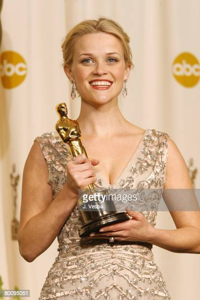 Reese Witherspoon winner Best Actress in a Leading Role for Walk the Line