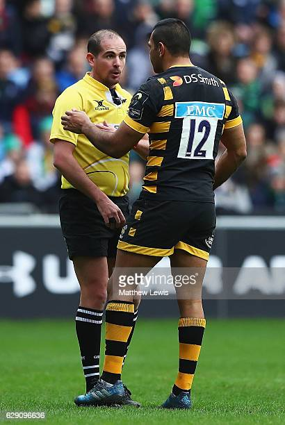 Referee Alexandre Ruiz talks Kurtley Beale of Wasps after he was sent to the sin bin during the European Rugby Champions Cup match between Wasps and...