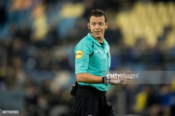 referee Allard Lindhout during the Dutch Eredivisie match between Vitesse Arnhem and sc Heerenveen at Gelredome on January 20 2018 in Arnhem The...