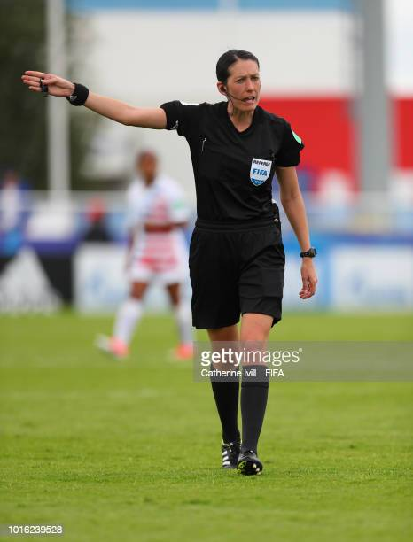 Referee AnnaMarie Keighley during the FIFA U20 Women's World Cup France 2018 group C match between Spain and USA at Stade du Clos Gastel on August 13...