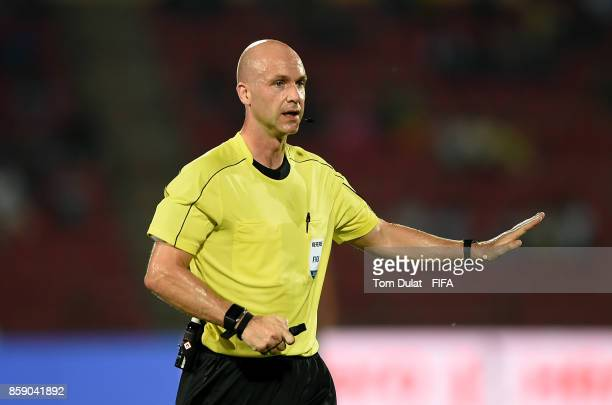 Referee Anthony Taylor gives instructions during the FIFA U17 World Cup India 2017 group E match between Honduras and Japan at Indira Gandhi Athletic...