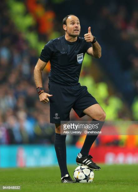 Referee Antonio Mateu Lahoz during UEFA Champions League Quarter Final Second Leg match between Manchester City and Liverpool at Etihad Stadium on...