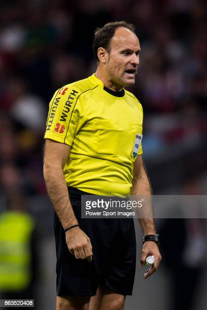 Referee Antonio Miguel Mateu Lahoz in action during the La Liga 201718 match between Atletico de Madrid and FC Barcelona at Wanda Metropolitano on 14...