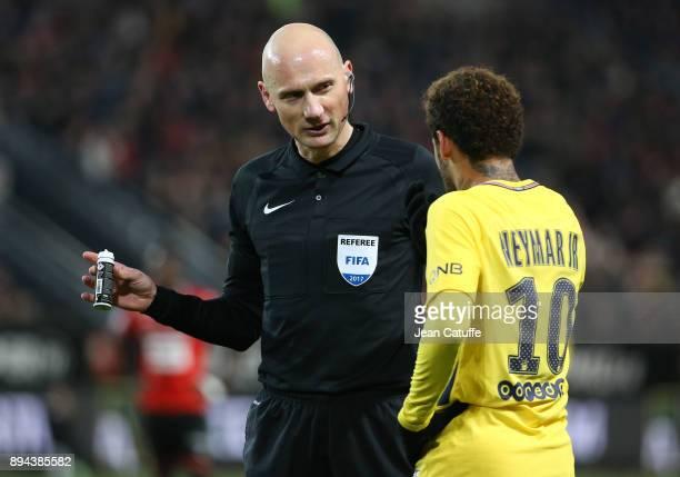 Referee Antony Gautier Neymar Jr of PSG during the French Ligue 1 match between Stade Rennais and Paris Saint Germain at Roazhon Park on December 16...