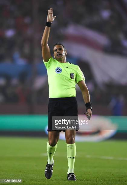 Referee Ariel Penel gestures during a round of 16 match between River Plate and Platense as part of Copa Argentina 2018 at Estadio Ciudad de...