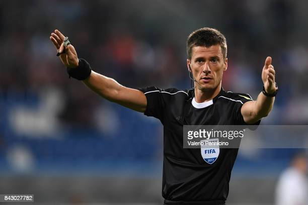 Referee Benoit Bastien in action during the FIFA 2018 World Cup Qualifier between Italy and Israel at Mapei Stadium Citta' del Tricolore on September...