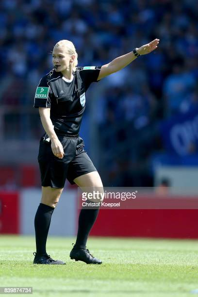 Referee Bibiana Steinhaus reacts during the Second Bundesliga match between VfL Bochum 1848 and SG Dynamo Dresden at Vonovia Ruhrstadion on August 27...