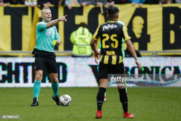 referee Bjorn Kuipers during the Dutch Eredivisie match between Vitesse v Ajax at the GelreDome on March 4 2018 in Arnhem Netherlands