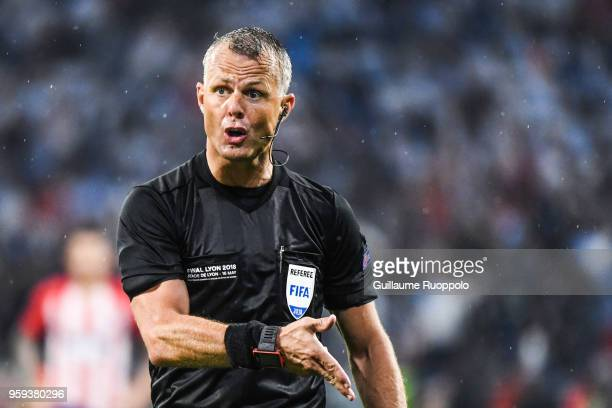 Referee Bjorn Kuipers during the Europa League Final match between Marseille and Atletico Madrid at Groupama Stadium on May 16 2018 in Lyon France