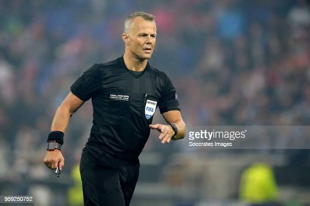 referee Bjorn Kuipers during the UEFA Europa League match between Olympique Marseille v Atletico Madrid at the Parc Olympique Lyonnais on May 16 2018...