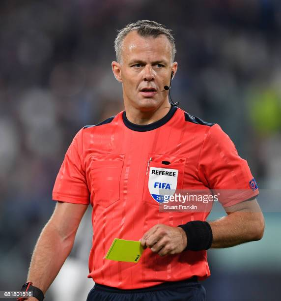 Referee Bjorn Kuipers looks on during the UEFA Champions League Semi Final second leg match between Juventus and AS Monaco at Juventus Stadium on May...