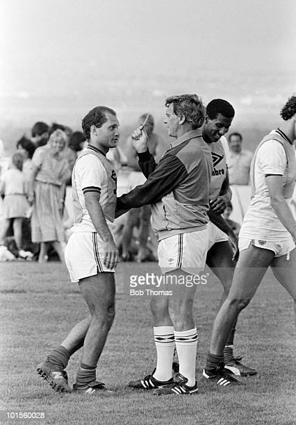 Referee Bobby Robson shows the red card to Ray Wilkins of England during a preWorld Cup training session held at the Cima Club in Monterrey Mexico on...