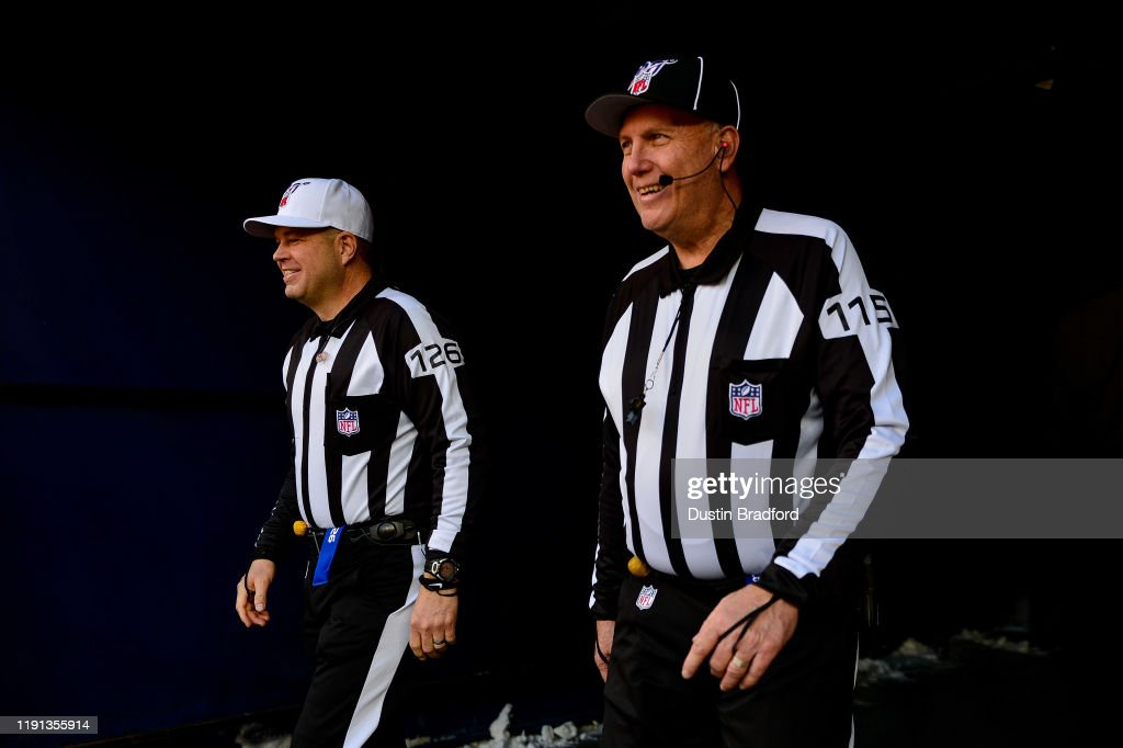 Los Angeles Chargers v Denver Broncos : News Photo