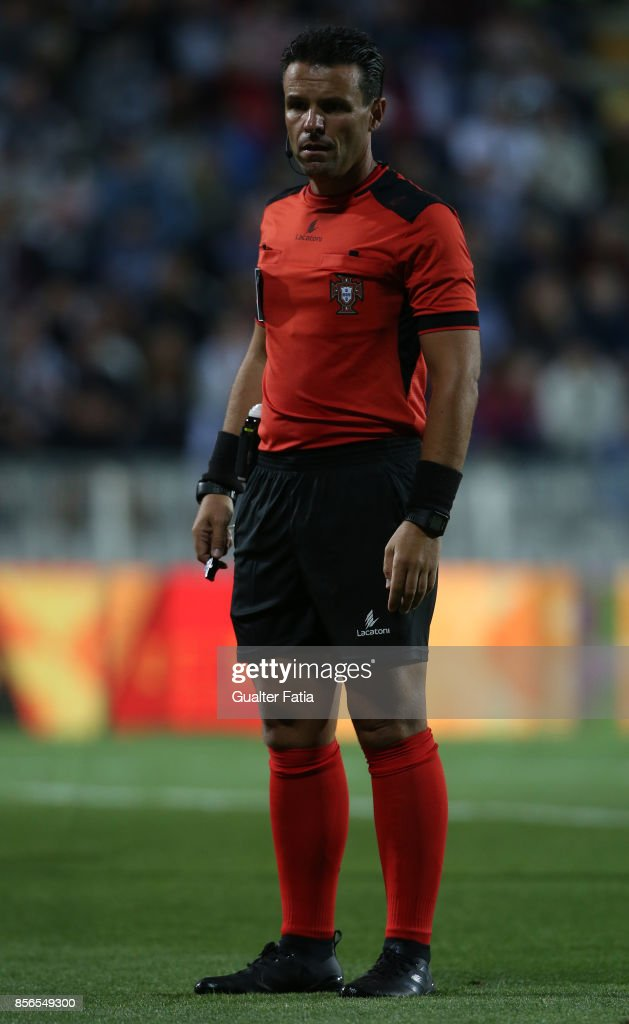 Referee Bruno Paixao in action during the Portuguese Primeira Liga match between Portimonense SC and CD Feirense at Estadio Municipal de Portimao on September 18, 2017 in Portimao, Portugal.