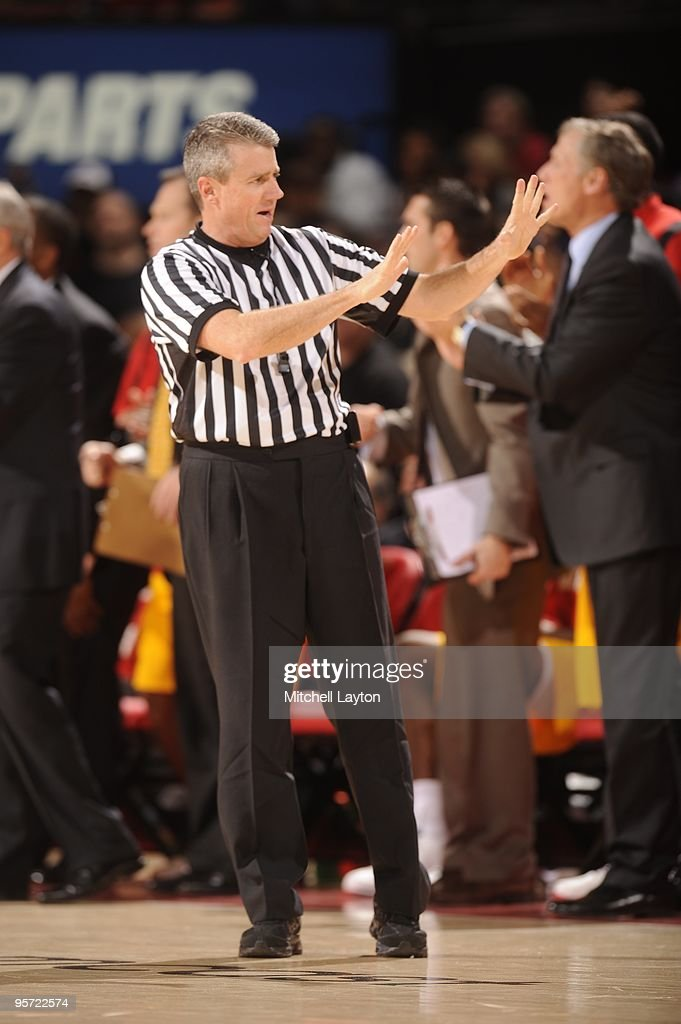 how to become a basketball referee in florida