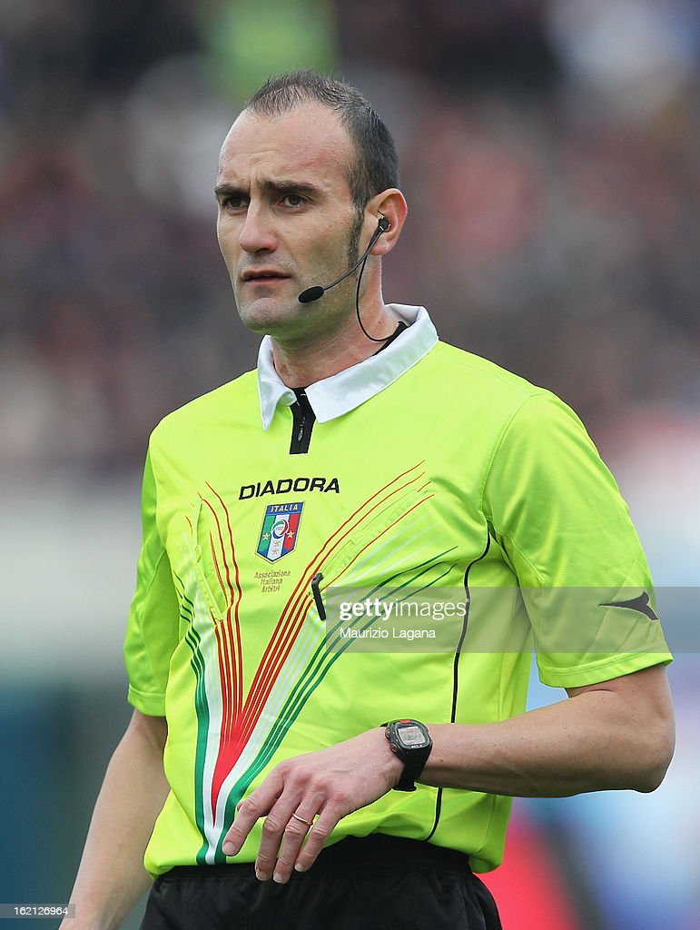 Referee Carmine Russo during the Serie A match between Calcio Catania and Bologna FC at Stadio Angelo Massimino on February 17, 2013 in Catania, Italy.