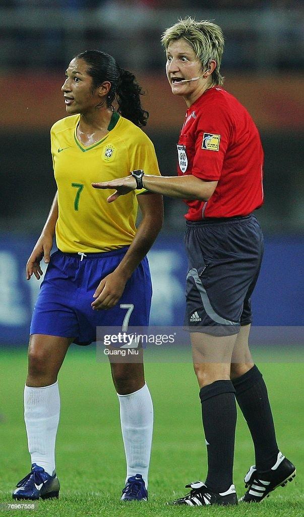 Quarter Final Brazil v Australia - Women's World Cup 2007 : Foto jornalística