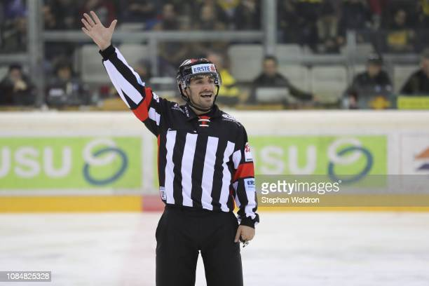 referee Christoph Sternat during the Vienna Capitals v EC VSV Erste Bank Eishockey Liga at Erste Bank Arena on January 18 2019 in Vienna Austria