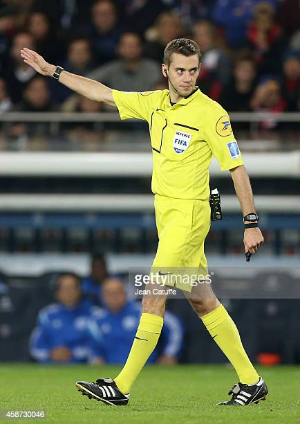 Referee Clement Turpin in action during the French Ligue 1 match between Paris SaintGermain FC and Olympique de Marseille OM at Parc des Princes...