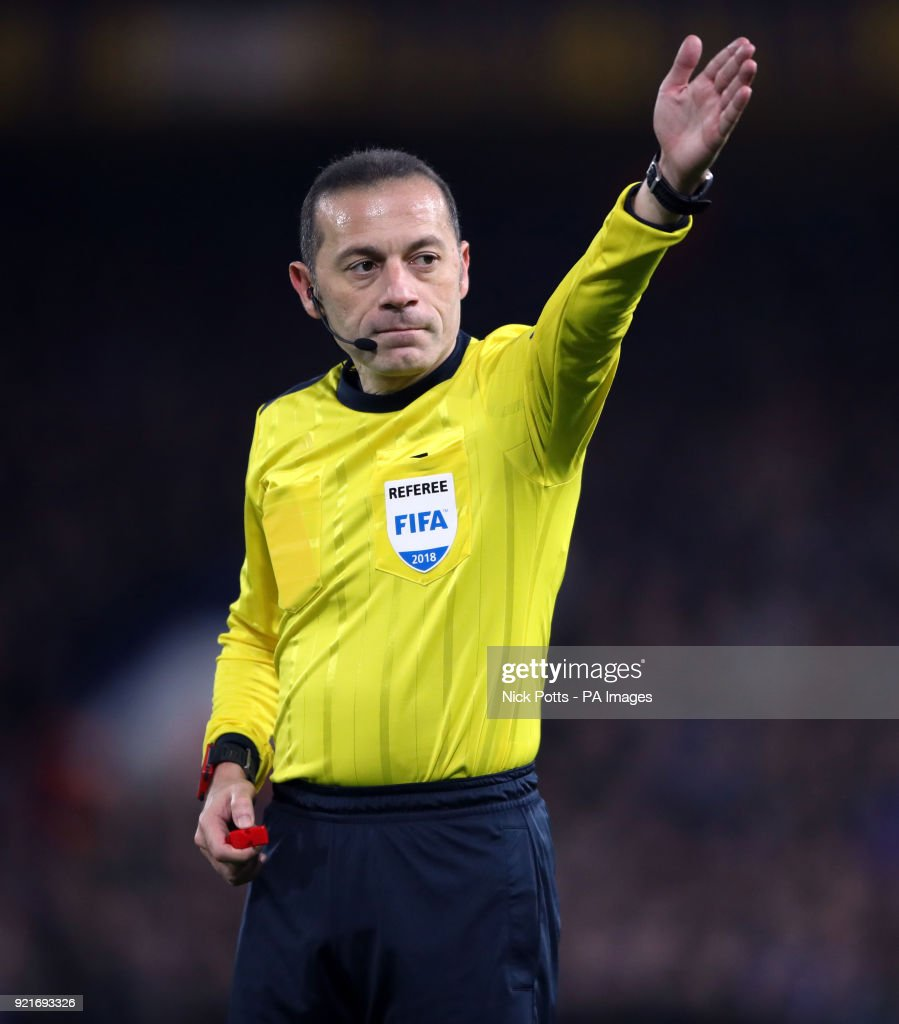 Referee Cuneyt Cakir during the UEFA Champions League round of sixteen, first leg match at Stamford Bridge, London. PRESS ASSOCIATION Photo. Picture date: Tuesday February 20, 2018. See PA story SOCCER Chelsea. Photo credit should read: Nick Potts/PA Wire