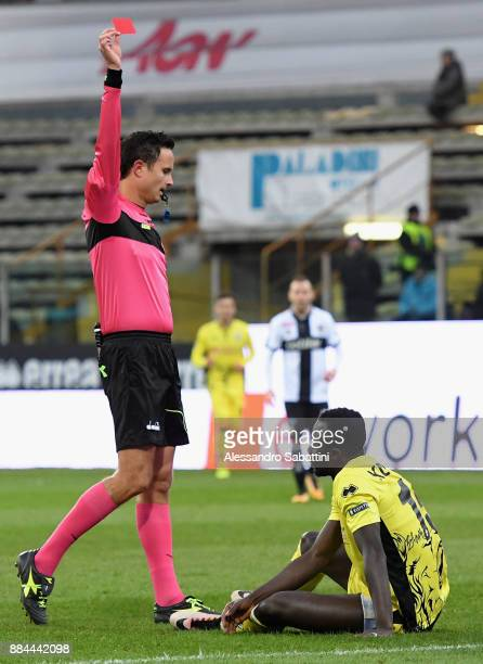 Referee Daniele Martinelli shows the red card to Dramane Konate of Pro Vercelli FC during the Serie B match between Parma Calcio and Pro Vercelli FC...