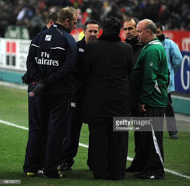 Referee Dave Pearson France Coach Philippe Saint Andre and Ireland Coach Declan Kidney talk just before kick off during the RBS 6 Nations match...