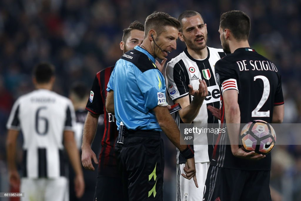 FBL-ITA-SERIEA-JUVENTUS-MILAN : News Photo