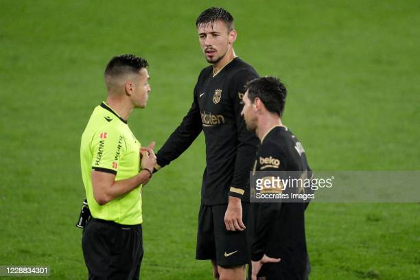 Referee Del Cerro Grande Clement Lenglet of FC Barcelona Lionel Messi of FC Barcelona during the La Liga Santander match between Celta de Vigo v FC...