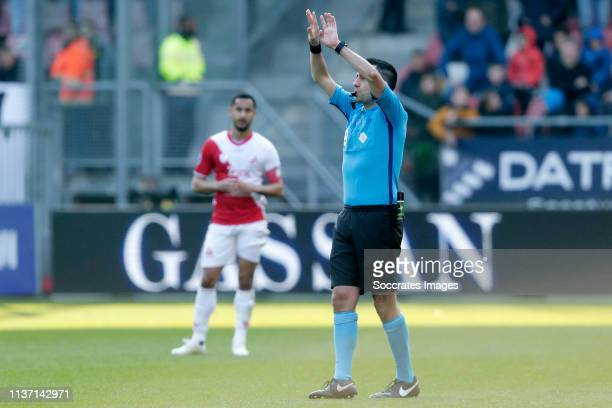 referee Dennis Higler during the Dutch Eredivisie match between FC Utrecht v Vitesse at the Stadium Galgenwaard on April 14 2019 in Utrecht...