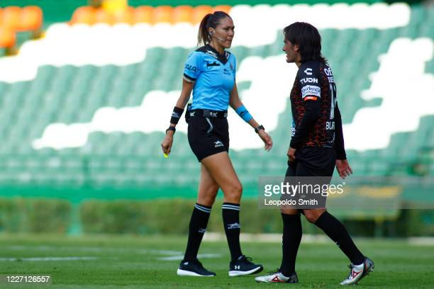 Referee Diana Estefania Perez talks to Jorge Daniel Hernandez of Pachuca during a match between Pachuca and Atletico San Luis as part of the friendly...