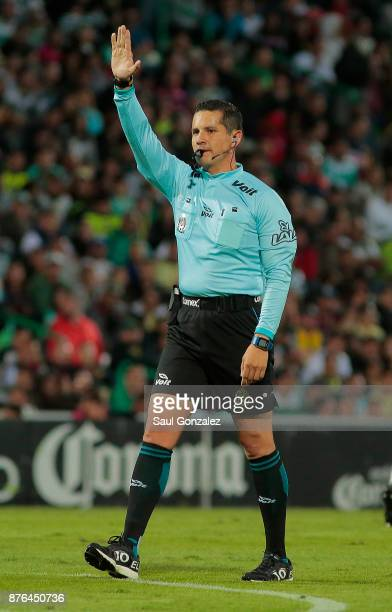 Referee Diego Montaño in action during the 17th round match between Santos Laguna and America as part of the Torneo Apertura 2017 Liga at Corona...