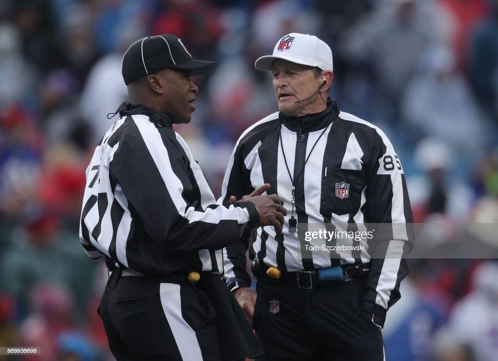 "Oakland Raiders v""u2020Buffalo Bills : News Photo"