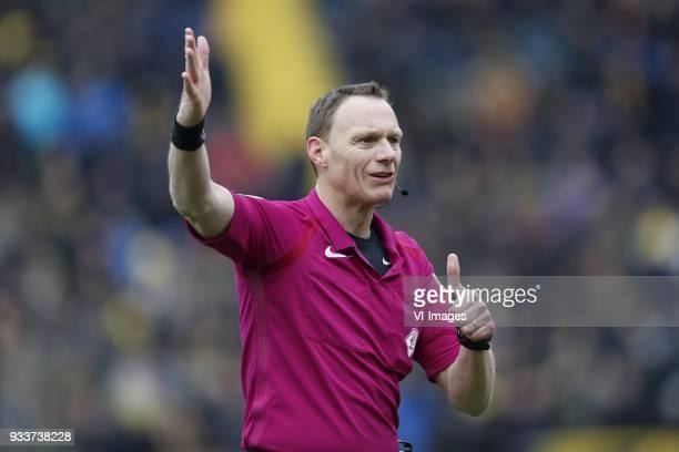 referee Ed Janssen during the Dutch Eredivisie match between NAC Breda and Roda JC Kerkrade at the Rat Verlegh stadium on March 18 2018 in Breda The...