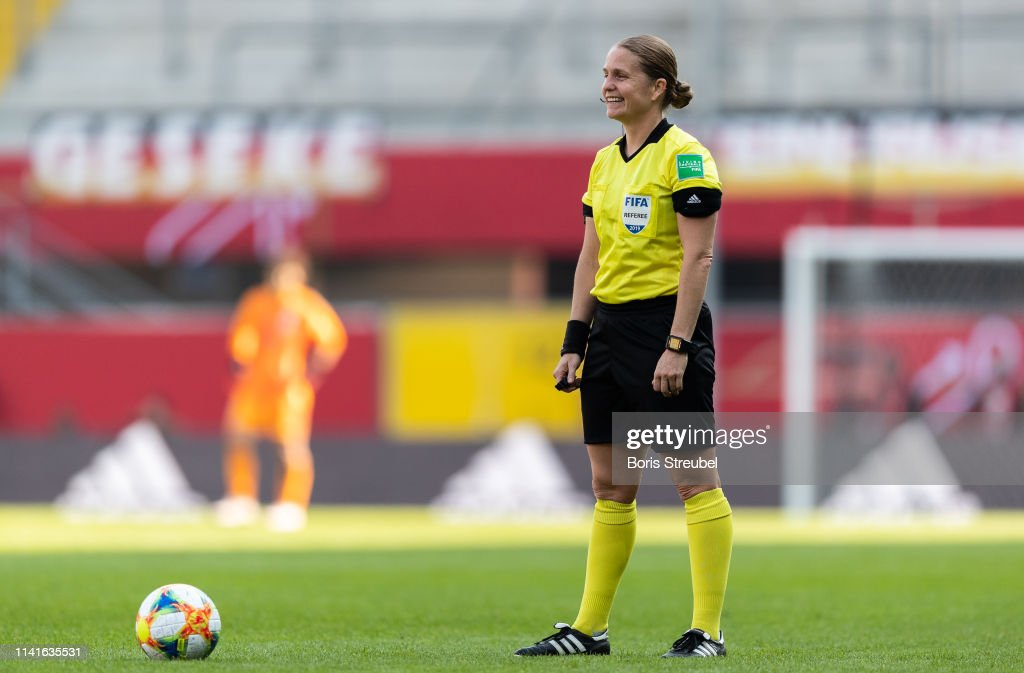 Germany v Japan - Women's International Friendly : Fotografía de noticias