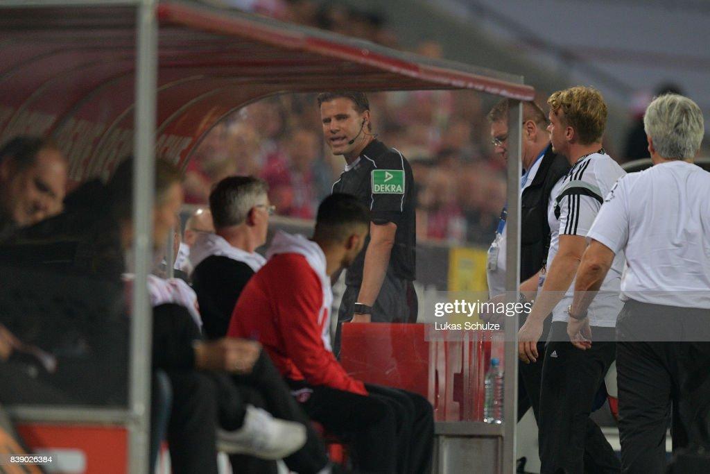 1. FC Koeln v Hamburger SV - Bundesliga