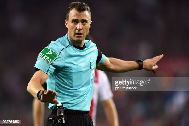 Referee Felix Zwayer during the German Bundesliga match between 1 FC Cologne and RB Leipzig at the Rheinenergie Stadium in Cologne Germany 1 October...