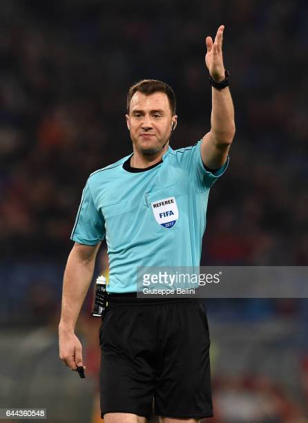 Referee Felix Zwayer during the UEFA Europa League Round of 32 second leg match between AS Roma and FC Villarreal at Stadio Olimpico on February 23...