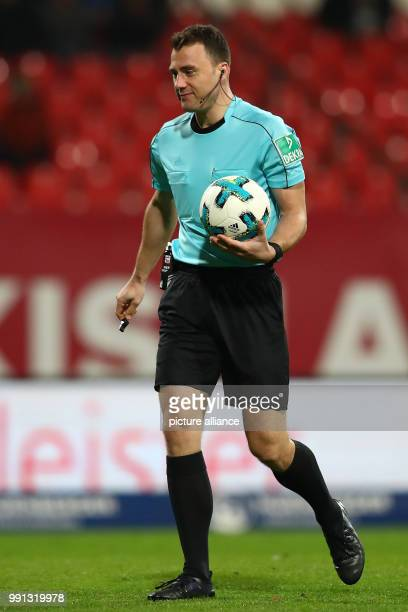 Referee Felix Zwayer photographed during the German 2nd division Bundesliga soccer match between 1 FC Nuremberg and FC Ingolstadt 04 in Nuremberg...