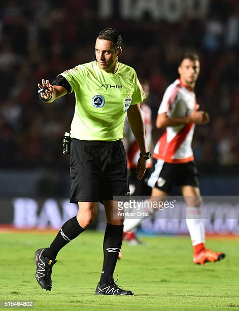 Referee Fernando Rapallini gestures during a match between Colon and River Plate as part of Torneo de Transicion 2016 at Brigadier Lopez Stadium on...