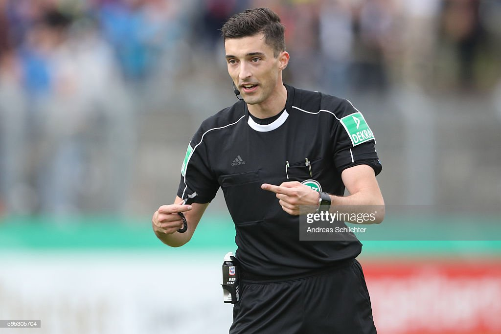 Referee Florian Badstuebner during the DFB Cup match between SC Hauenstein and Bayer 04 Leverkusen at Stadium Husterhoehe on August 19, 2016 in Pirmasens, Germany.